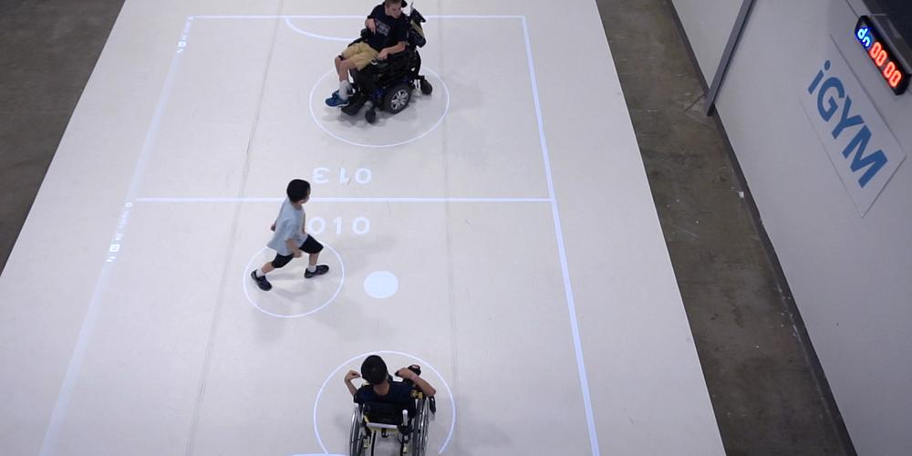 Un dispositif interactif en réalité augmentée permet aux enfants handicapés de pratiquer du sport