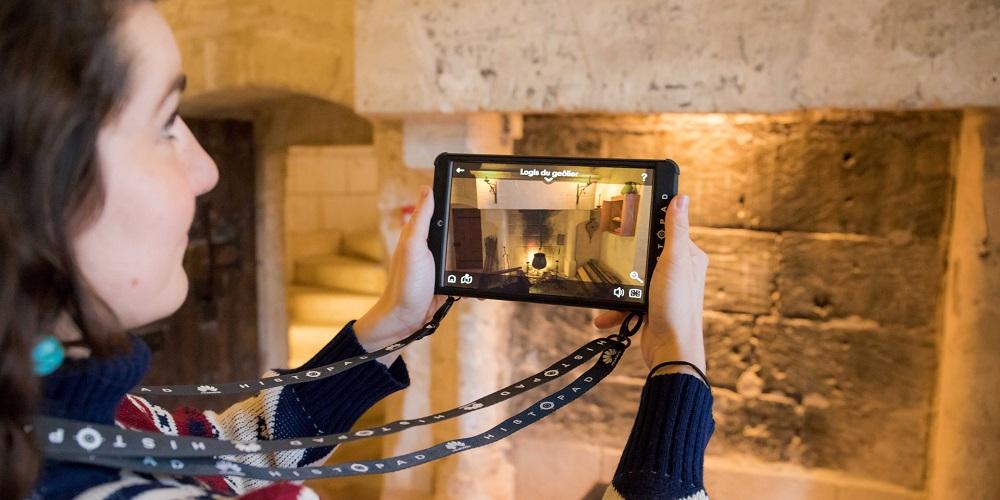 L'HistoPad permet de visiter les monuments de Paris en réalité augmentée