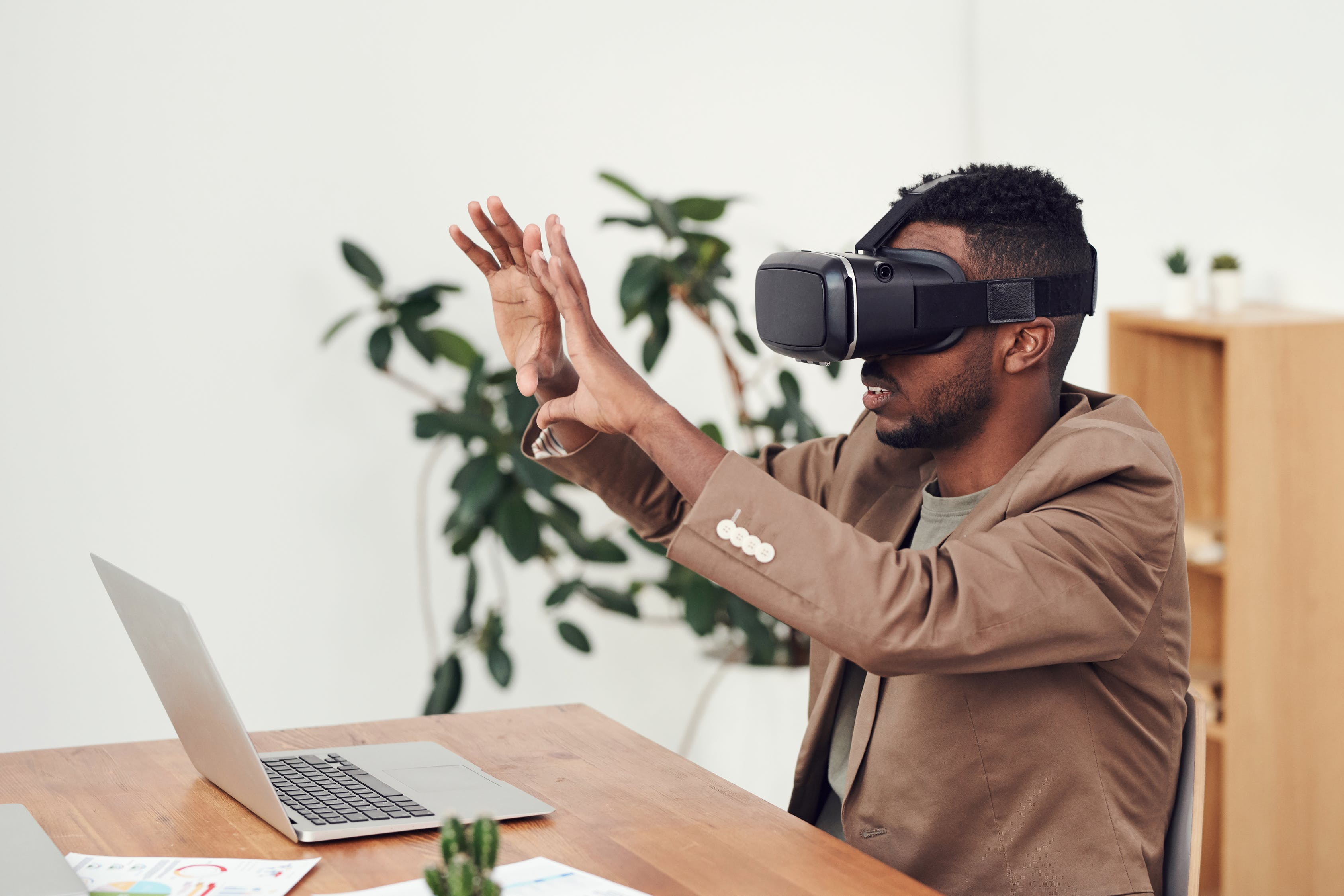 Virtual reality for remote work