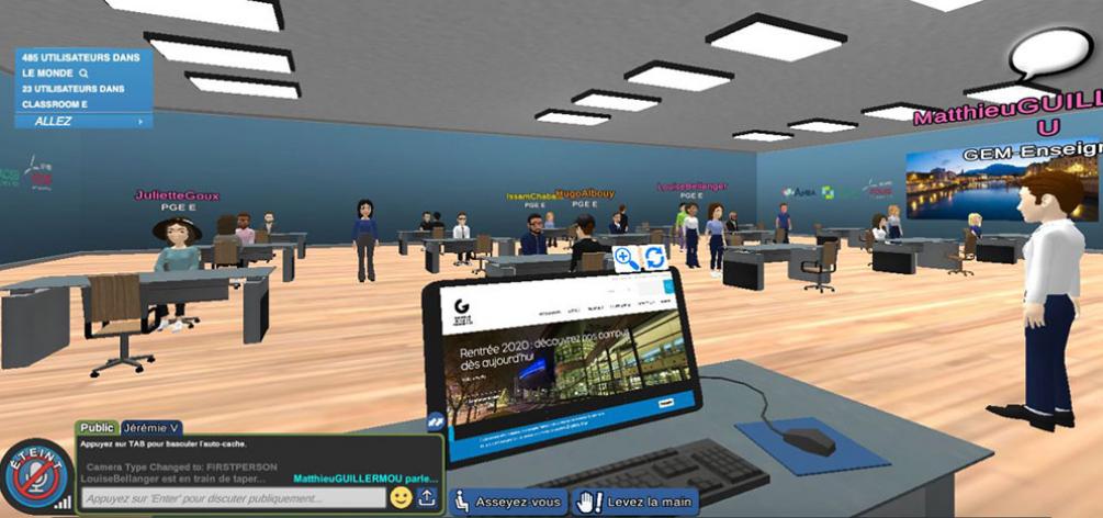 Des étudiants de l'école de management de Grenoble se rassemblent dans une classe virtuelle